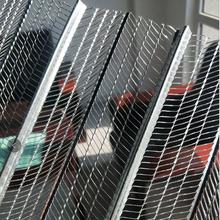 喷灌浆金属网模-安平轻钢实心墙体灌浆网-有筋扩张网图片