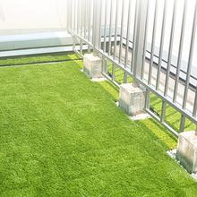 悬浮式拼装草坪图片