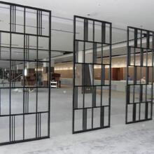 不锈钢铜花格能为建筑增加价值达到点缀环境和美化空间的功效图片