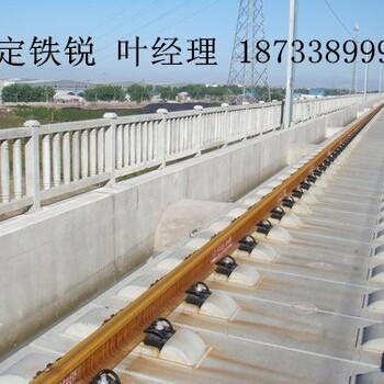 保定铁锐供应优质混凝土立柱,水泥基护栏,耐久性强,美观,抗冲击