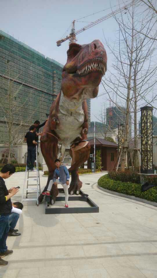 侏罗纪恐龙模型制作工厂大型出租现场体验恐龙项目