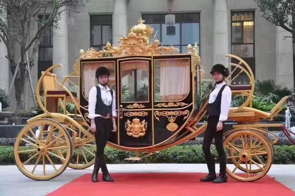 皇家马车租赁制作工厂各种巡游系列车辆制作低价销售