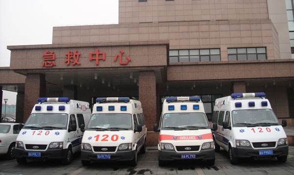 固原长途救护车出租带呼吸机救护车出租