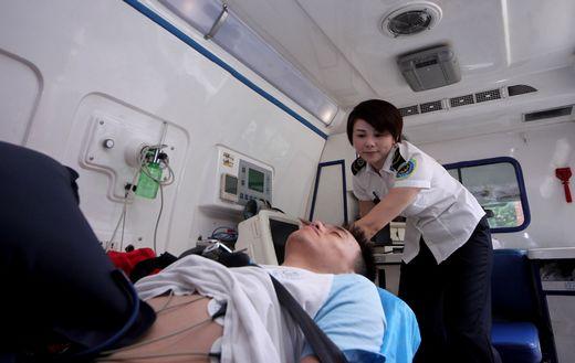 長治私人救護車出租+8元每公里