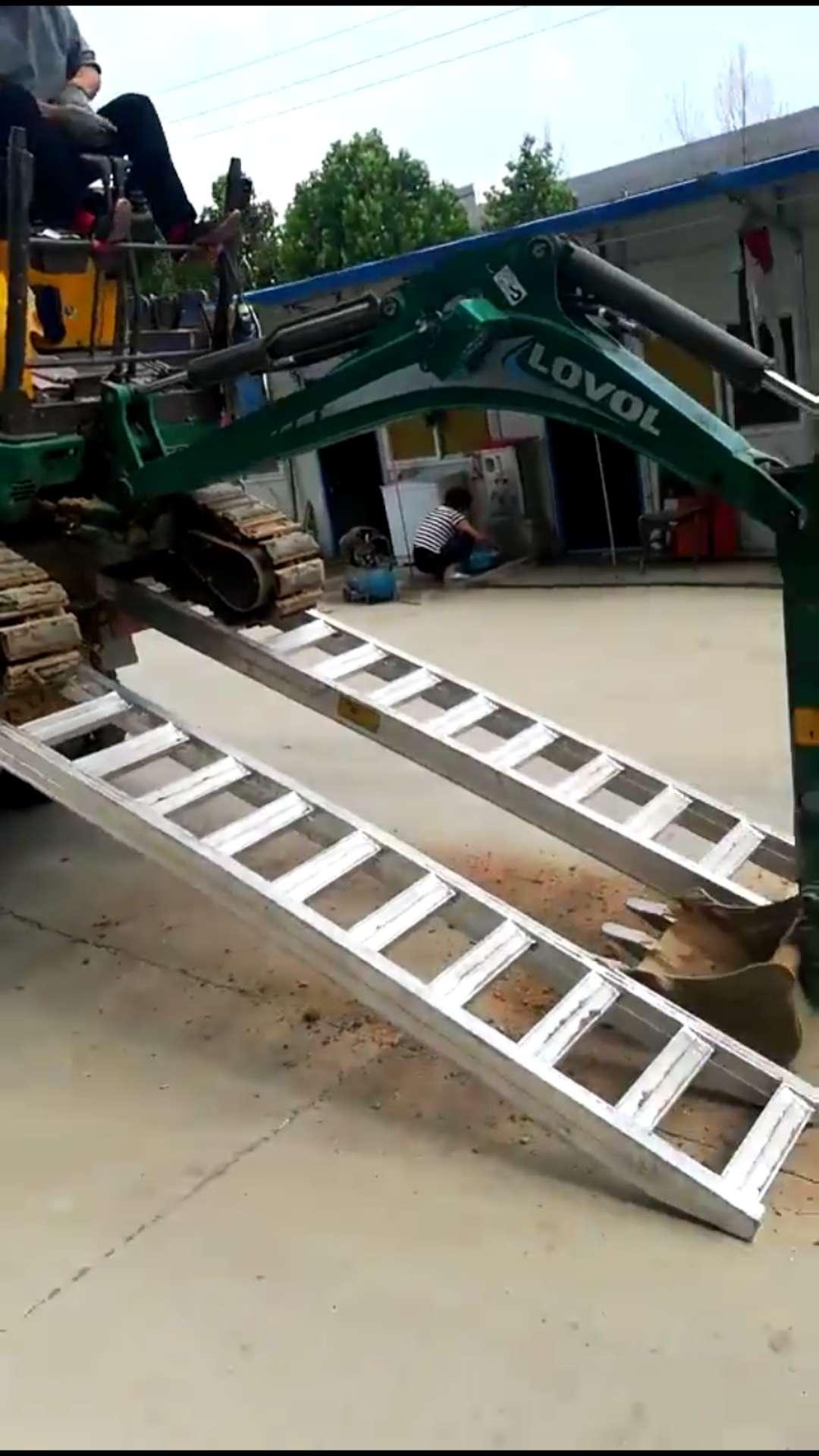 济宁市久达大象牌小型挖机专用铝合金爬梯铝梯上下卡车配套销售