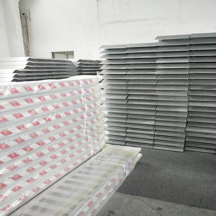 广东省3-8吨波形公路护栏打桩机装载机卡车铝爬梯铝梯