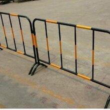 供应银川移动铁马隔离护栏银川铁马护栏市政移动铁护栏图片