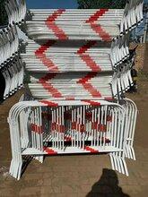 供应银川移动铁马隔离护栏市政移动铁护栏移动铁马供应图片