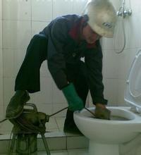 专业疏通马桶地漏菜池主管道清理化粪池