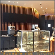 定制木纹铝方管方通型材装饰咖啡厅室内外墙隔断木纹铝方管幕墙图片