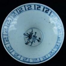 民国新粉彩瓷是中国瓷器史中一个新兴的异类陶瓷。