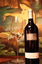 进口红酒批发供应批发美国豪客庄园古藤仙粉黛红葡萄酒图片