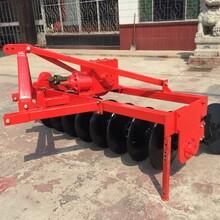 拖拉机带的8片驱动圆盘犁方梁驱动圆盘犁