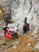 三門峽露天礦山開采使用靜爆開石器