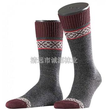 广东袜子加工厂贴牌男袜中统男袜纯棉男袜条纹男袜