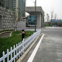 江苏无锡pvc栅栏pvc栏杆可以买现货图片