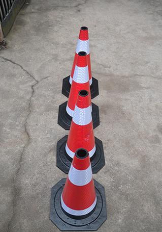 橡胶路锥雪糕筒圆锥路障仁为安全警示柱桩锥