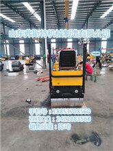产品优点鲜明的方向盘式压土机自走式碾地机坐人式压土机