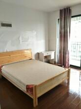 松江万达广场地铁房莱顿小城厅卧带大阳台1000元图片
