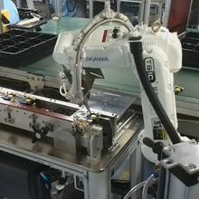 点胶机器人自动在线点胶安川机器人MH5F负载5KG六轴通用机器人