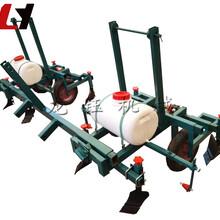 花生施肥覆膜机/龙钰牌中型地膜覆盖机械/大棚地膜覆盖机图片