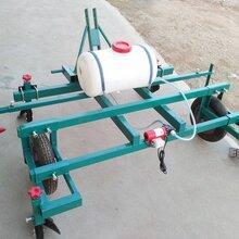 手扶式地膜机四轮带覆膜机家用型喷药覆膜机图片