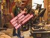 出国劳务荷兰木鞋厂招货运司机、学徒工、上色工等。