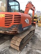 二手斗山80挖掘机低价出售二手挖掘机介绍,二手挖掘机拖车图片
