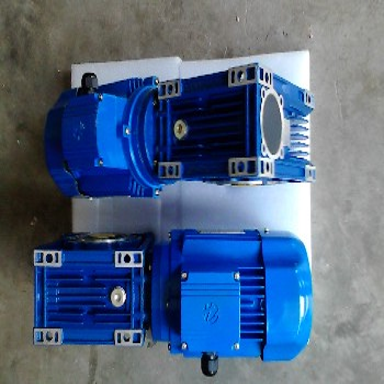 湖北荆州NMRV050-50-1.1KW蜗轮蜗杆减速器粉碎机械专用