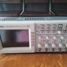 仪器仪表回收TektronixDSA73304D33GHz数字串行分析仪