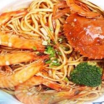 海鲜焖面加盟哪家好学习海鲜焖面技术去哪里大学食堂做什么小吃好