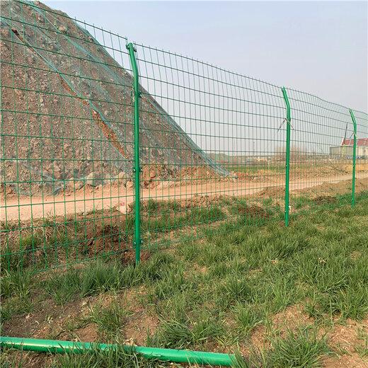 青岛涨源厂家双边丝护栏厂家现货供应