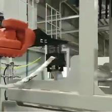 炊具(ju)熱鑄(zhu)成型、去毛邊、長(chang)春鑄(zhu)件搬運機器人圖片