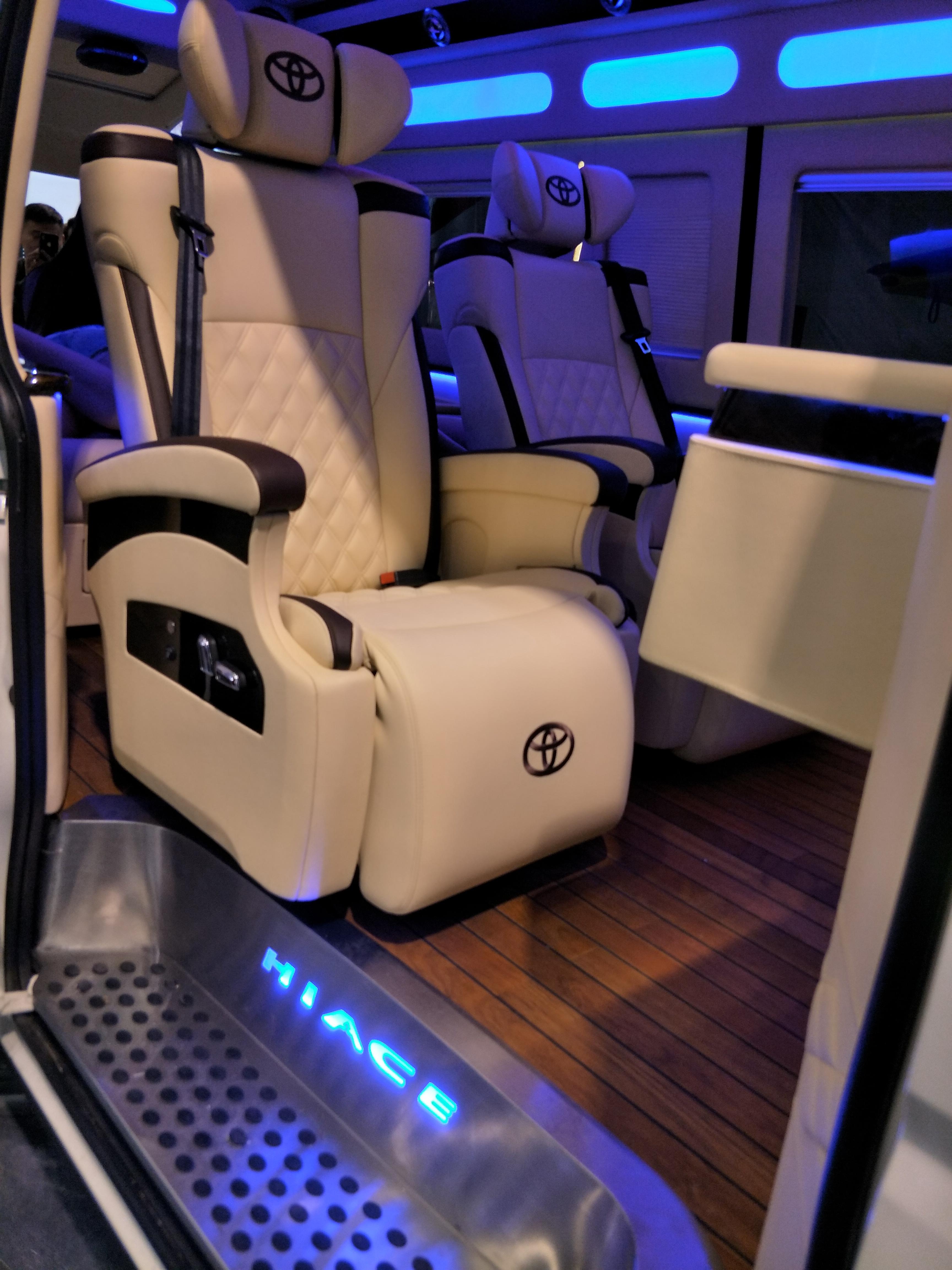 汽车航空座椅改装木地板改装商务车木地板改装房车内饰个性改装豪华升级