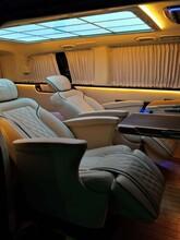 上海商务车内饰改装升级奔驰威霆改装航空座椅木地板改装九宫格顶棚图片