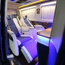 上海商务车改装大众凯路威航空座椅木地板内饰升级图片