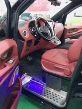 商务车汽车内饰改装航空座椅木地板全车内饰软包图片