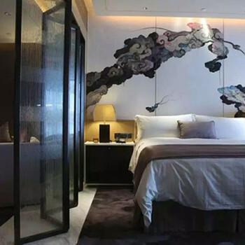巧用皮革软包装饰卧室背景墙