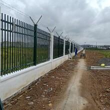 湛江堅實中護圍欄小區鋅鋼護欄圖片