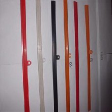 我司生产供应多种颜色规格型号的透明挂历夹条,挂历夹条挂历夹条,挂历胶条,透明夹条图片