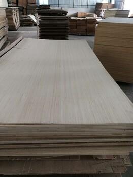 杨木多层板打孔胶合板多规格包装板双面漂白胶合板