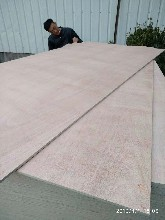 单面桃�矩花芯包装板碎心胶合板生产厂家图片