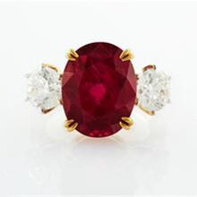 鸽血红红宝石戒指拍卖交易哪可靠