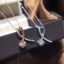 18K金钻石项链六福珠宝周生生周大福同款