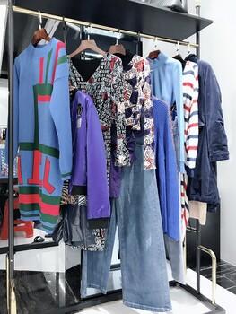 香港品牌亮点国际秋冬装广州伊曼服饰女装品牌折扣走份货源