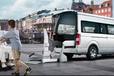 特殊人群专用车带自动上车轮椅的商务车