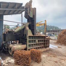 自动翻包金属压块机设备315吨卧式金属压块机图片