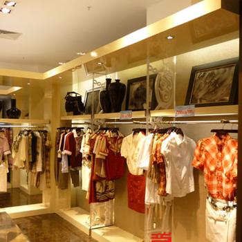 成都(化妆品服装服装店)展柜展示柜货柜设计定做厂家