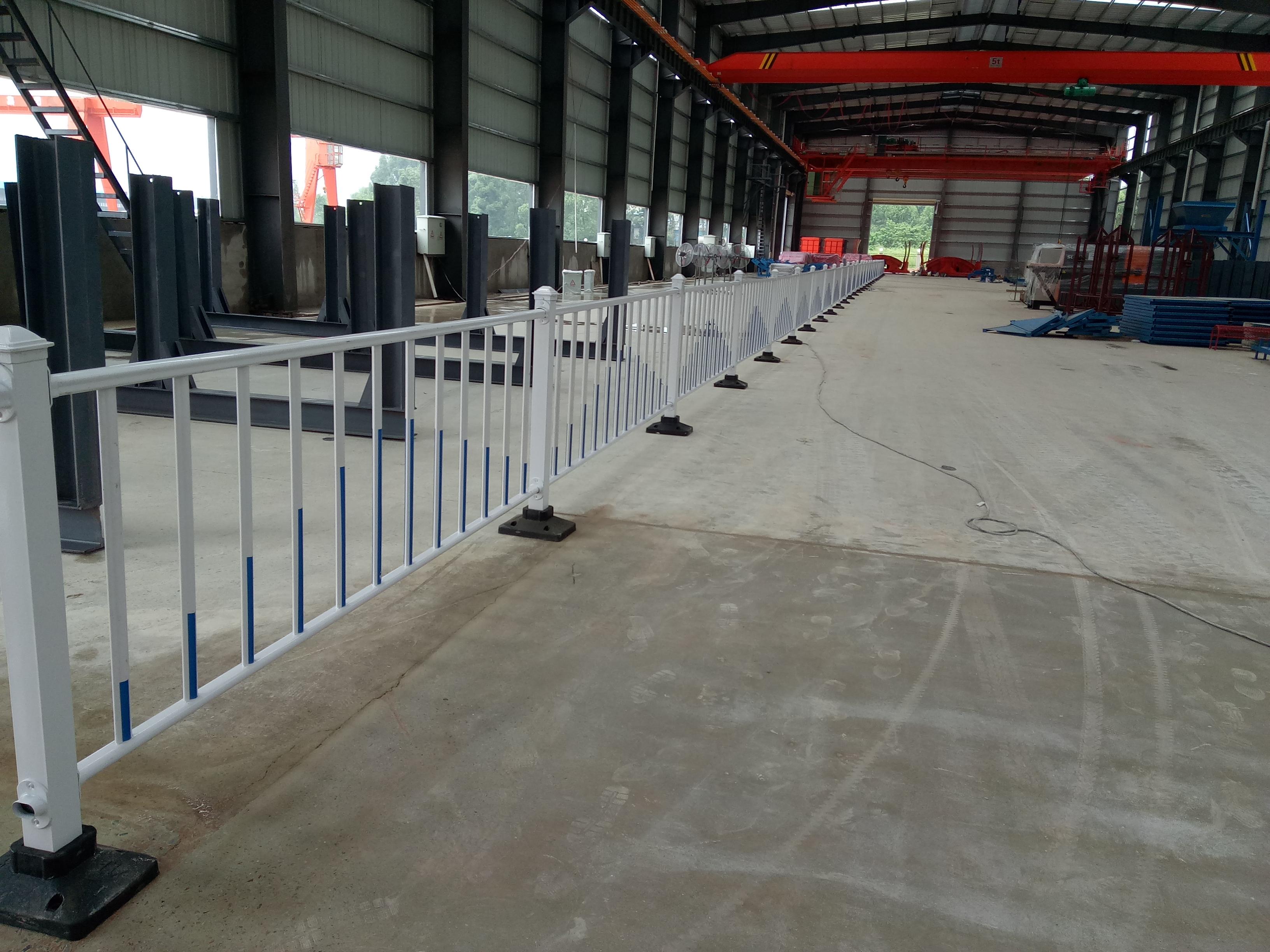 锌钢护栏,交通安全护栏,公路防撞护栏,道路安全防护栏