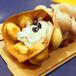 润松枝记泡泡卷冰淇淋球加奶油配饰排队买的特色小吃十倍利